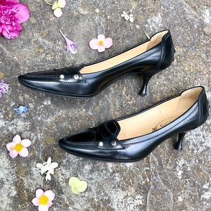 Black Tod's kitten heels